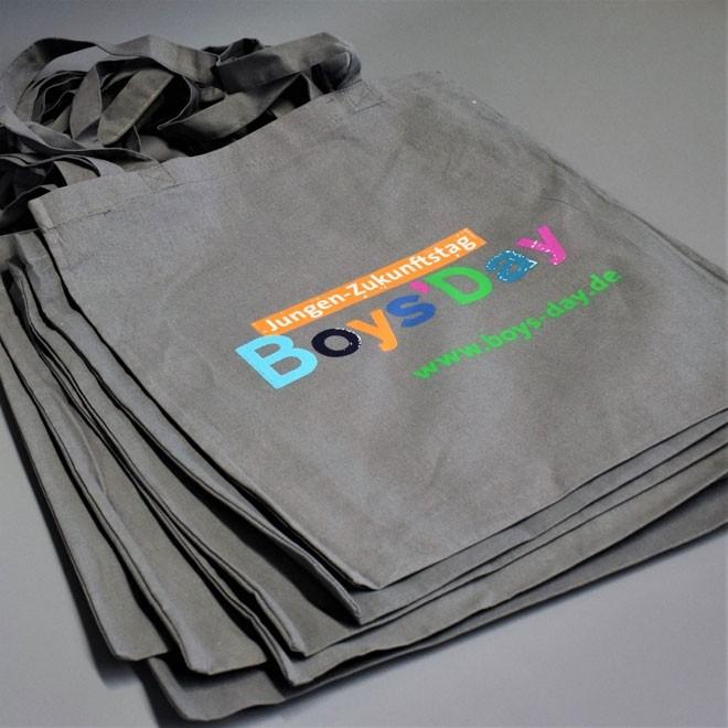 Boys'Day-Taschen | 50 Stück, grau mit Logo